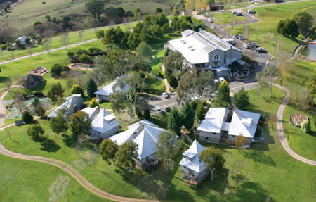 Pinnacle Valley Resort - Accommodation Australia
