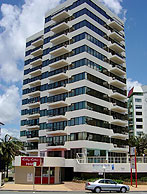 Beachfront Towers - Accommodation Australia