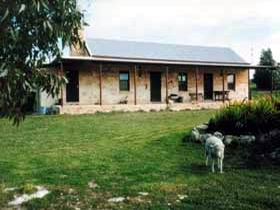 Mt Dutton Bay Woolshed Heritage Cottage