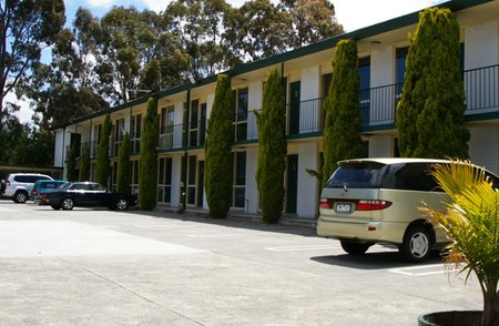 Mulgrave Court Motor Inn - Accommodation Australia