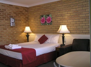 Blue Violet Motor Inn - Accommodation Australia