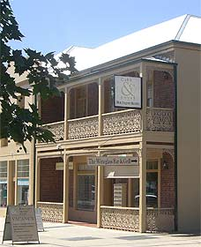 Cobb  Co Court Boutique Hotel - Accommodation Australia