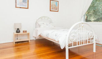 Eltham Retreat - Accommodation Australia