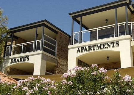 Drakes Apartments with Cars - Accommodation Australia