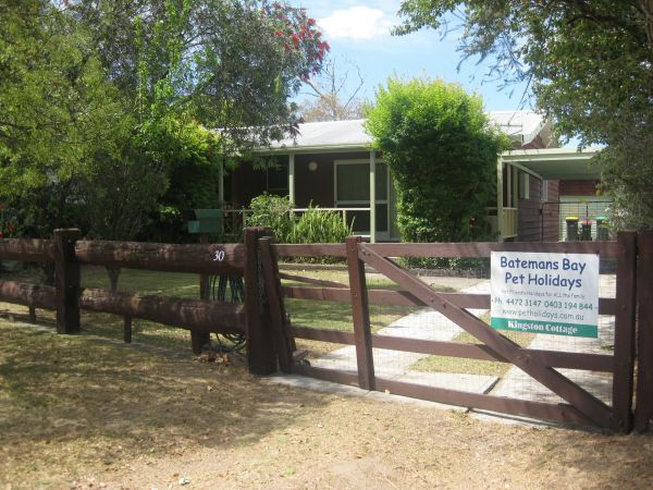 Grantham House  Pet Friendly Holiday Home - Accommodation Australia
