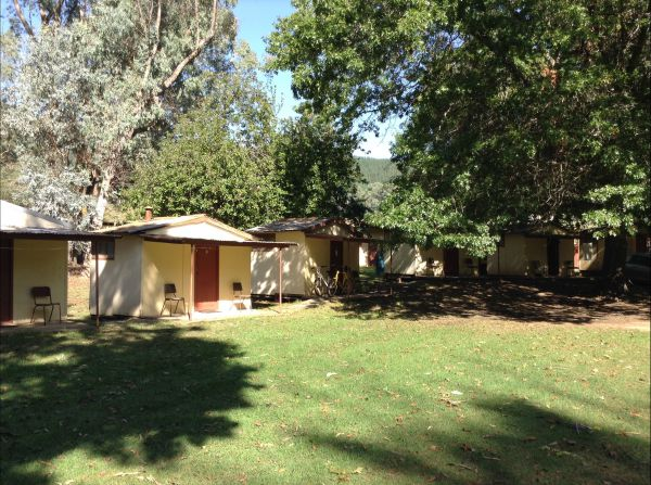Bright Cabin & Caravan Park - Accommodation Australia