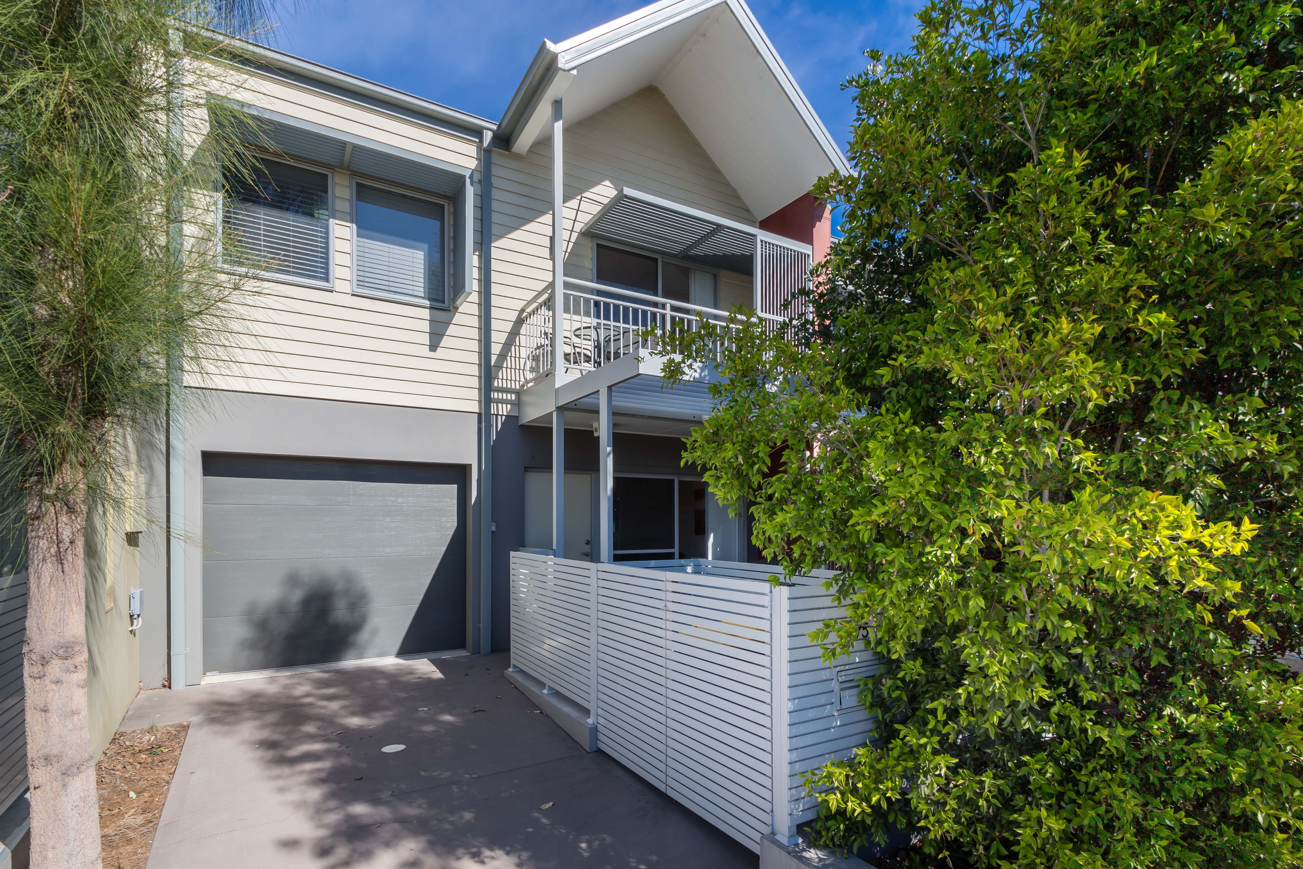 The Terrace in Cranebrook Waterside - Accommodation Australia