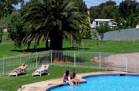 Swan Hill Holiday Park - Accommodation Australia