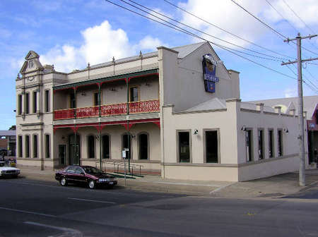 Mitchell River Tavern - Accommodation Australia