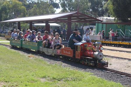 Altona Miniture Railway - Accommodation Australia