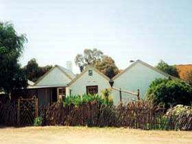 Miners Cottage And Garden - Accommodation Australia