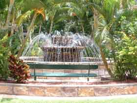 Bauer and Wiles Memorial Fountain - Accommodation Australia