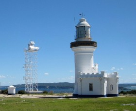 Point Perpendicular Lighthouse and Lookout - Accommodation Australia