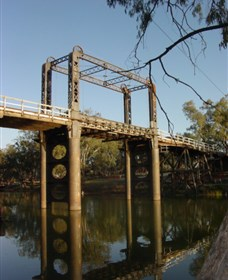 The Historic Barwon Bridge - Accommodation Australia