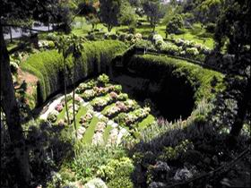 Umpherston Sinkhole - Accommodation Australia