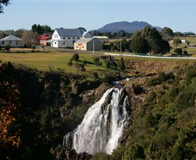 Waratah Falls - Accommodation Australia