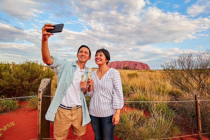 2-Day Uluru (Ayers Rock) and Kings Canyon Tour from Alice Springs