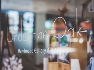 Under The Oak Handmade Gallery and Gifts - Accommodation Australia