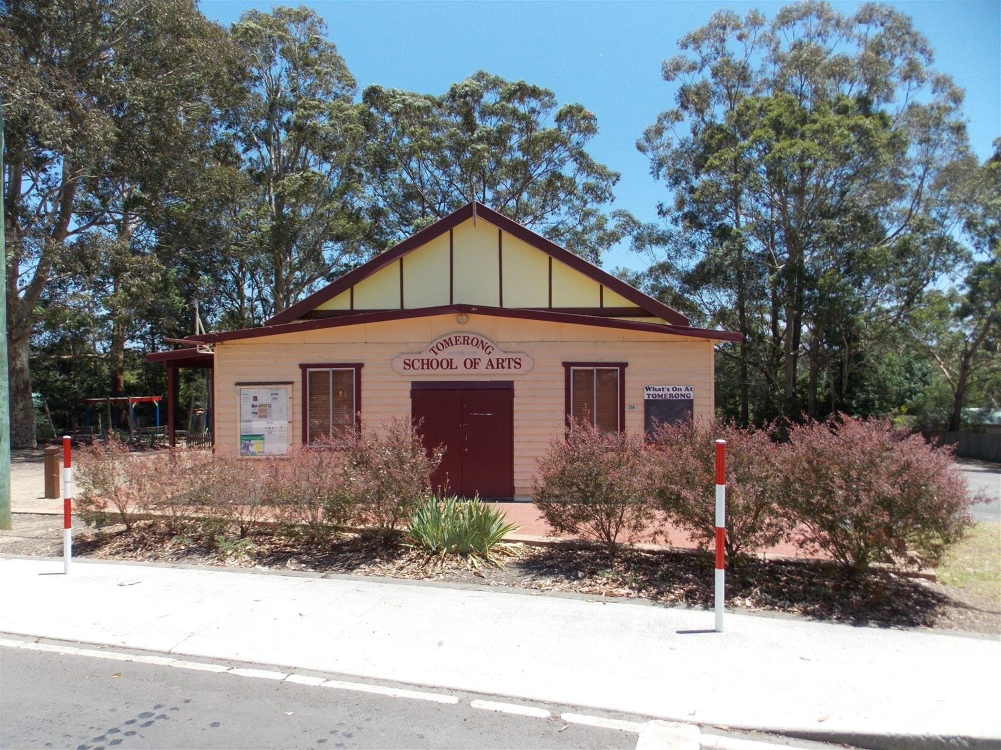 Tomerong Hall - Accommodation Australia