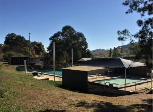 Gunning Pool - Accommodation Australia