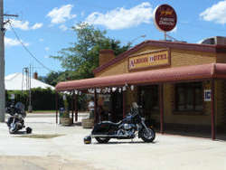 Albion Hotel Swifts Creek - Accommodation Australia