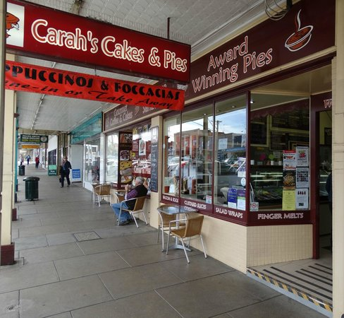Carahs Cakes  Pies - Accommodation Australia