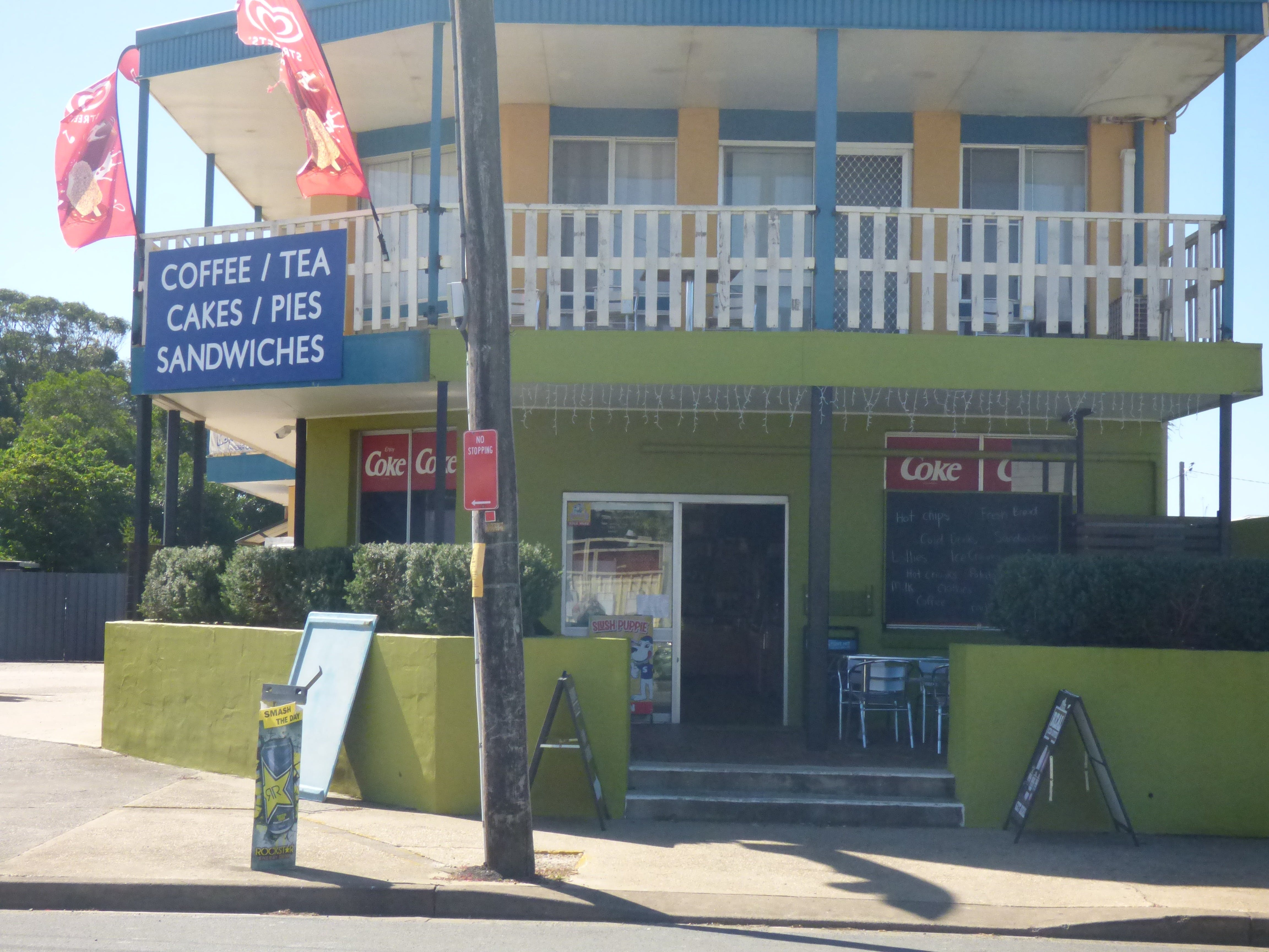 The Point Cafe and Takeaway - Accommodation Australia
