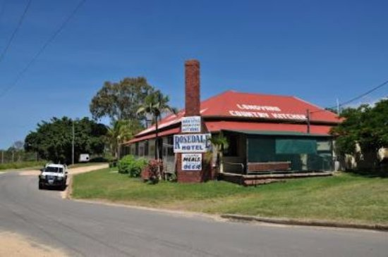 The Royal Hotel and Caravan Park Rosedale - Accommodation Australia