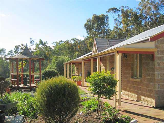 Riesling Trail  Clare Valley Cottages - Accommodation Australia
