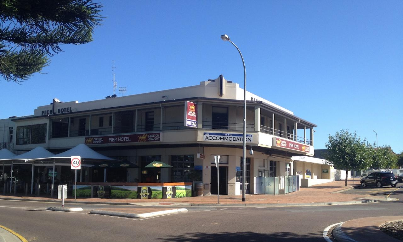 Pier Hotel - Accommodation Australia