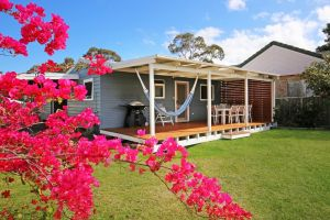 Hayes Beach House - Jervis Bay - Pet Friendly - Accommodation Australia