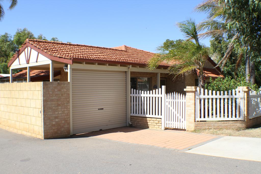 Geraldton Luxury Retreat 2 - Accommodation Australia