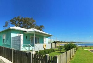 Aurora Beachfront Cottage - Accommodation Australia