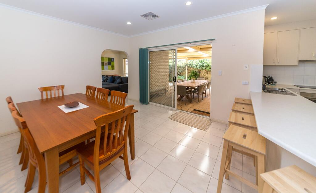 Beachside At Normanville - 7 Ronald Street - Accommodation Australia